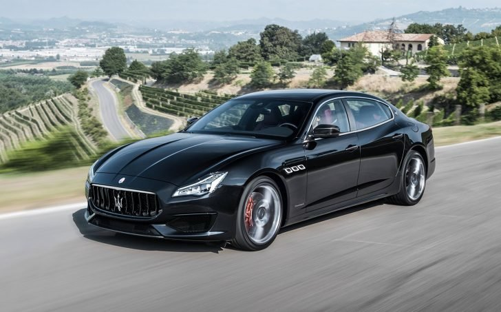 Gibson got involved in a car accident that left his Maserati Quattroporte broken into pieces in 2010.