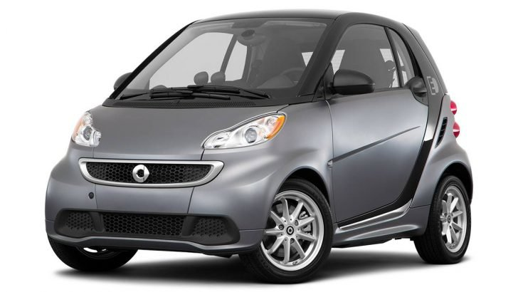 Many fans were surprised when they saw Bieber driving the Smart Car along Beverly Hills.