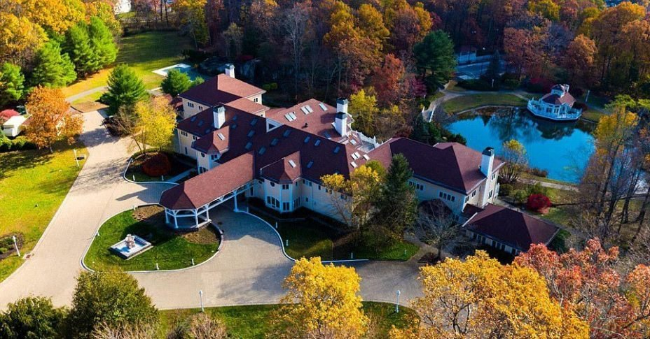 The real-estate experts consider the businessman lucky for buying 50 Cent's stunning mansion for only $2.9 million!