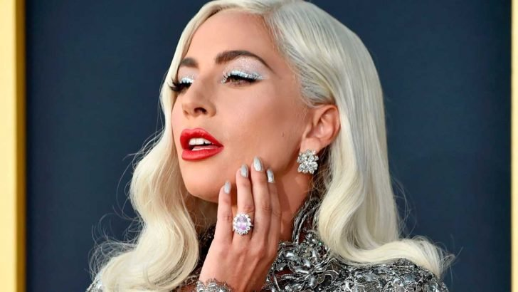 The fans were shocked when Lady Gaga pulled out a ring that resembled the engagement ring she received from her former fiancee.