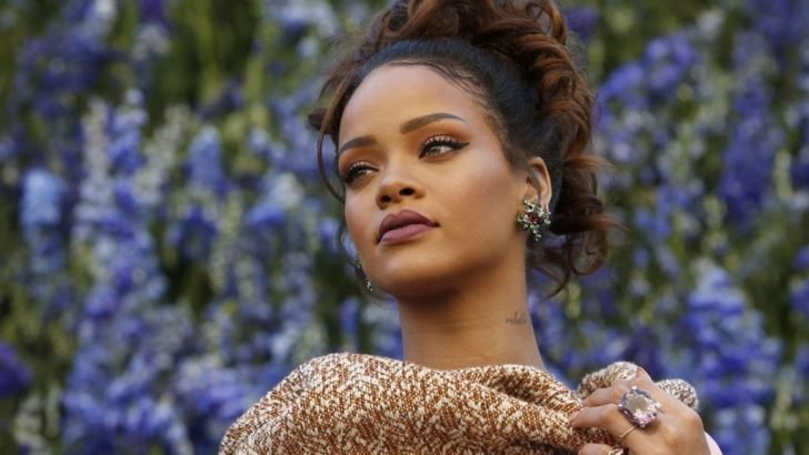 Rihanna says her fans and customers will have fun switching between these hues and adding more vibrant and color to their faces.
