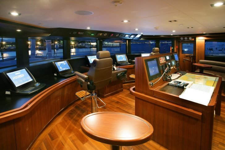 Maraya also provides state-of-the-art control room for accurate navigation.