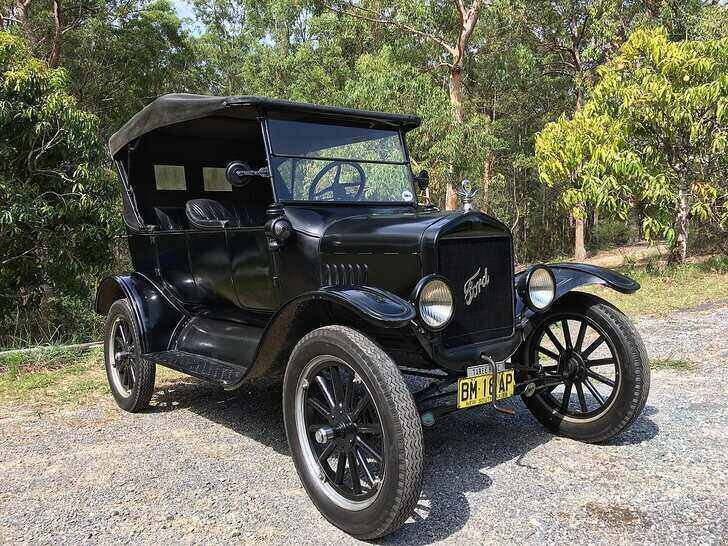 ford-saloon-cars-2